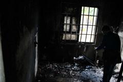 Nghi án người đàn ông ở Bình Phước tưới xăng đốt cả nhà