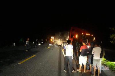 Va chạm với xe container, 2 thanh niên Quảng Trị tử vong tại chỗ