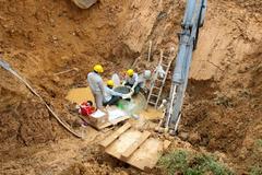 Hanoi's main water pipeline breaks again