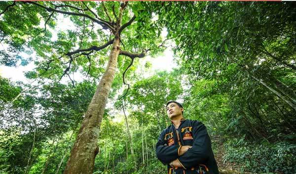 Quang Ninh,Dao ethnic minority man,dedicate life to the forest,develop the forest