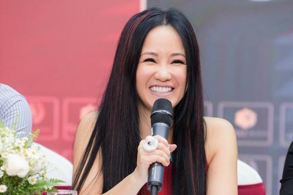 Hồng Nhung: Niềm vui của tôi giờ là hai em bé và âm nhạc