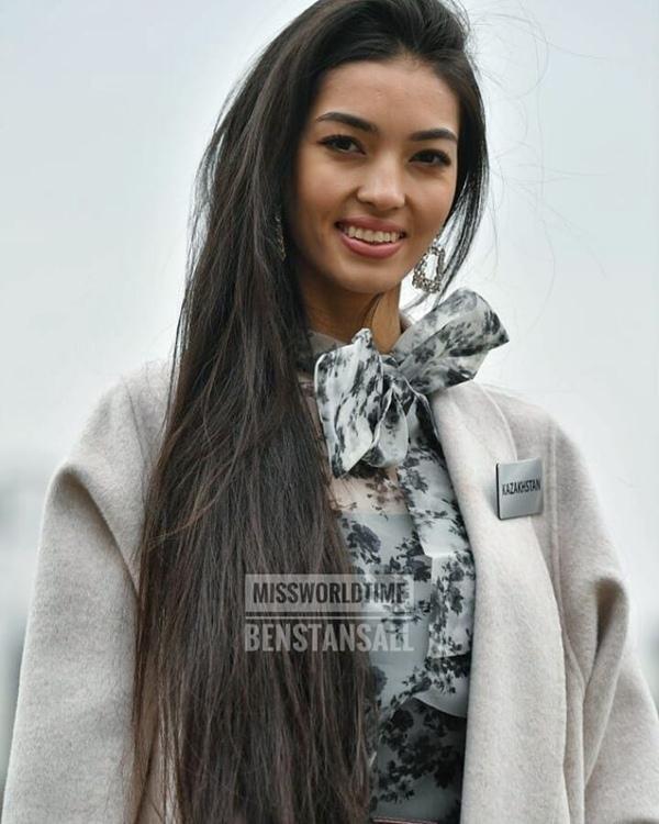 Lương Thùy Linh tham dự Miss World muộn vì sự cố visa