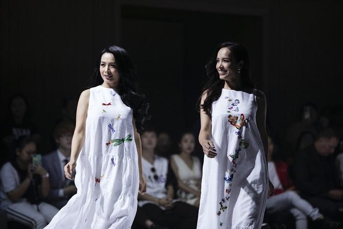 Lý Nhã Kỳ catwalk với kimono