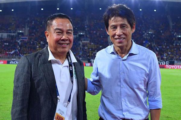 Thái Lan thưởng nóng Akira Nishino, tranh vàng SEA Games