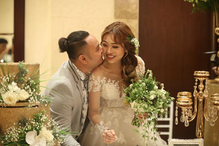 Vinh Râu bị FAPTV chơi khăm đêm tân hôn với Lương Minh Trang