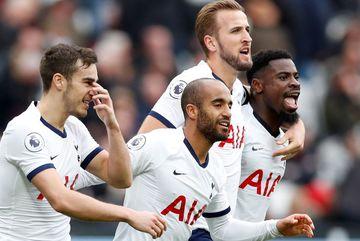 """Mourinho tái xuất, Tottenham thắng """"rửa mặt"""""""