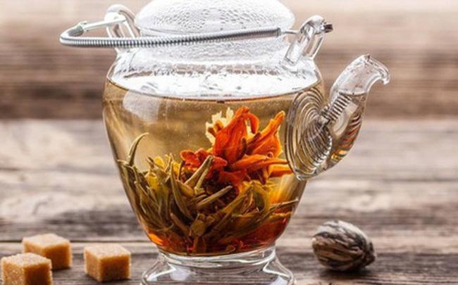 Bát nháo thị trường trà hoa nở, hàng Tàu siêu rẻ bán tràn lan