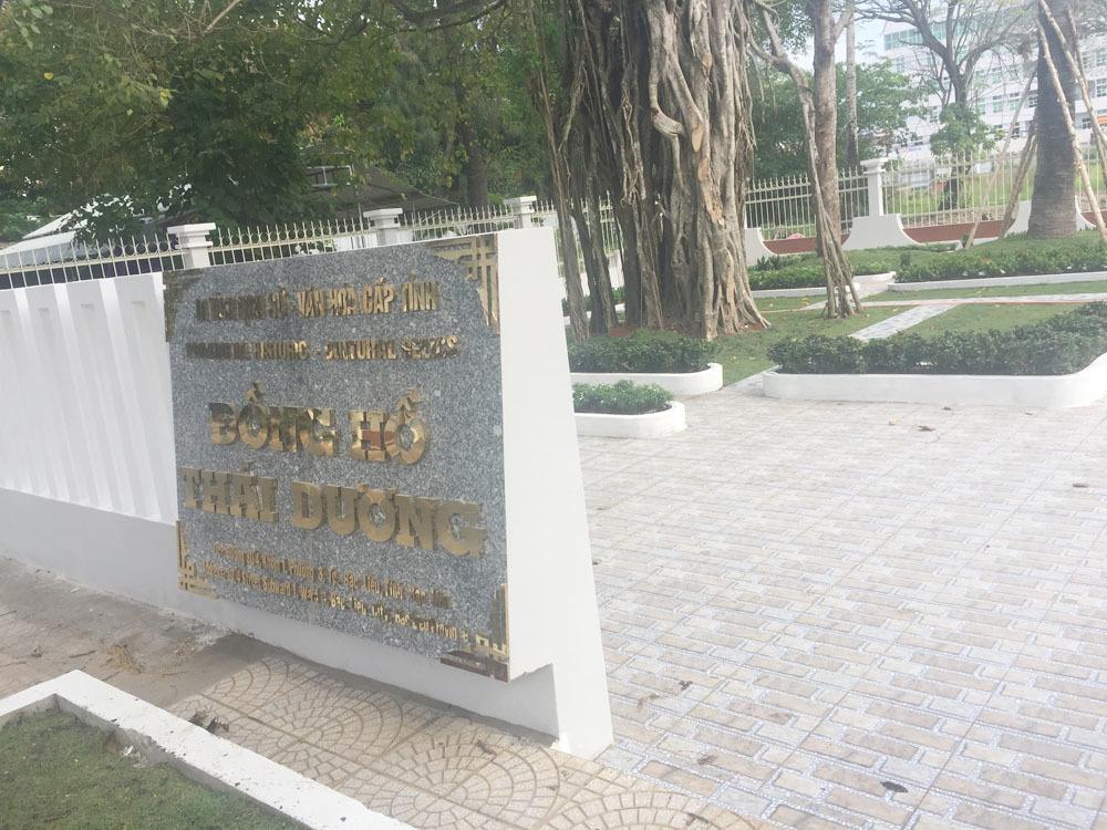 Đồng hồ trăm tuổi lạ nhất Việt Nam, bị 'bỏ quên' ở Bạc Liêu