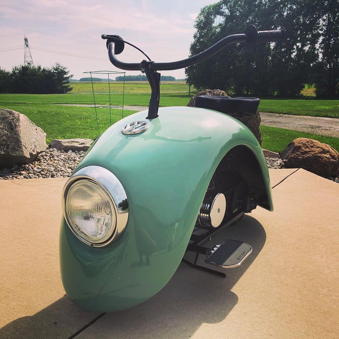 Chiếc xe 'con bọ' được làm từ ốp chắn bùn của Volkswagen Beetle
