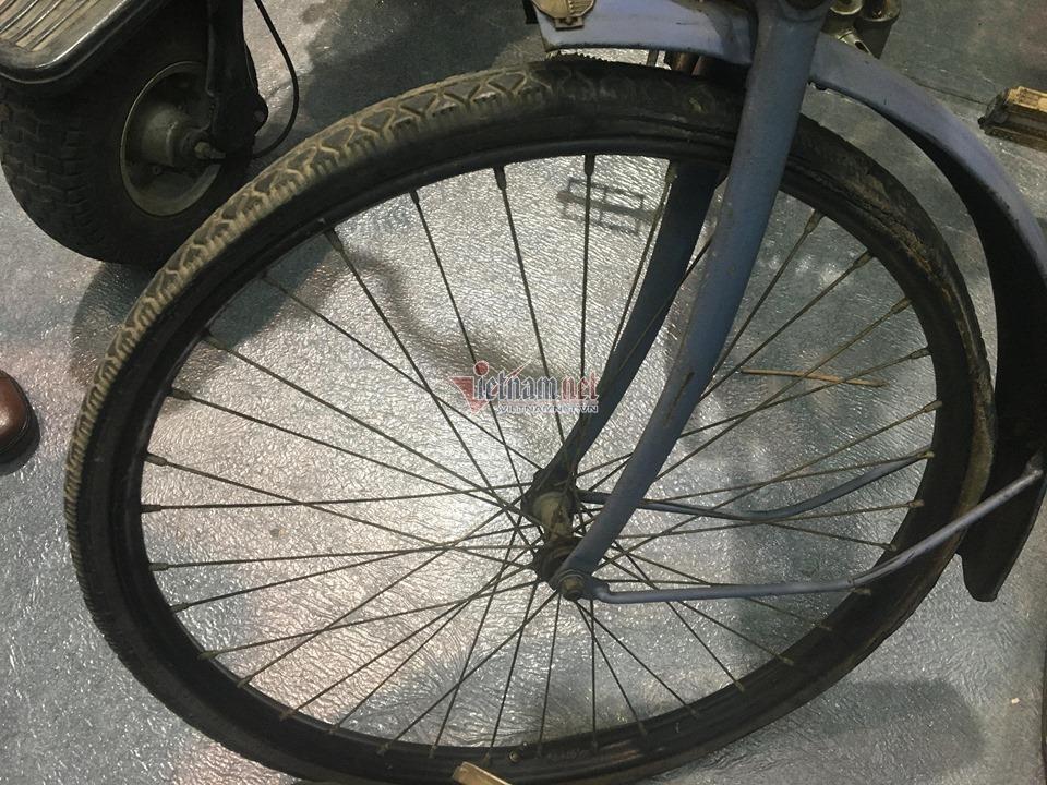 Xe đạp cổ 109 năm tuổi hàng hiếm giá hơn 200 triệu ở Hà Nội