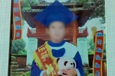 Vết máu trên tay áo tố mẹ kế sát hại con chồng ở Tuyên Quang