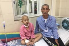 Rớt nước mắt cảnh hai ông cháu cùng một lúc bị ung thư