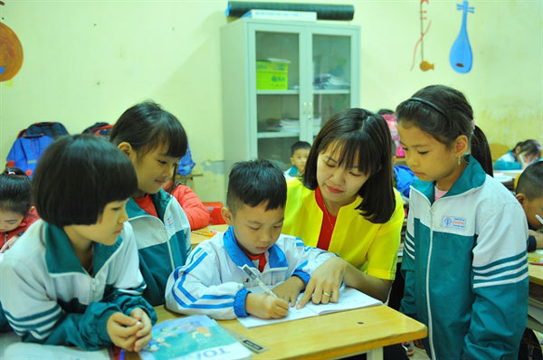 New textbooks for grade 1 students,selection of textbooks,suitable for students,Vietnam education
