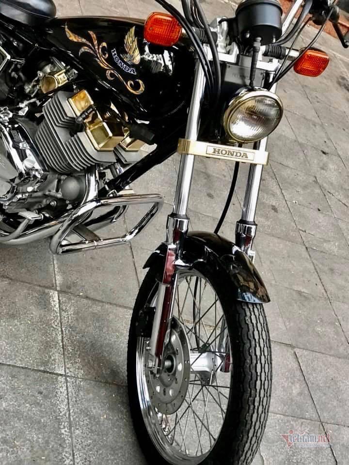 Xe máy Honda 34 năm tuổi giá 220 triệu ở Hà Nội