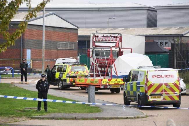 Thêm một nghi phạm hầu tòa vụ 39 người chết ở Anh