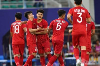 Đức Chinh lập hat-trick, U22 Việt Nam thắng to trận ra quân