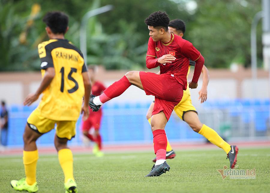 Chiếu chậm trận đấu 'điểm 10' của Hà Đức Chinh