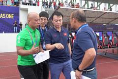 U22 Brunei tráo người, thầy Park phản ứng gắt