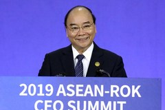 PM Nguyen Xuan Phuc attends ASEAN-RoK CEO Summit