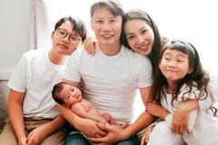 Ca sĩ Hoàng Bách: 'Tôi gục ngã khi vợ mang bầu lần ba'