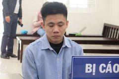 Khoác tay thân mật rồi cứa cổ nạn nhân ở Hà Nội