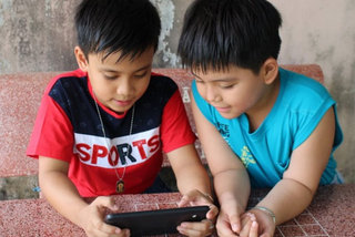 Electronic devices pose a threat to children