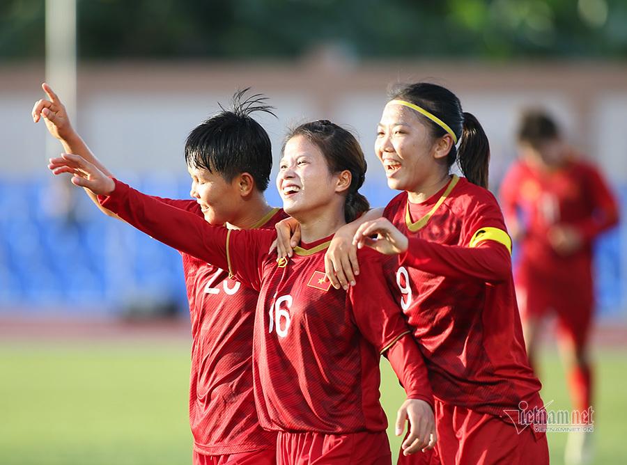 THỂ THAO❯BÓNG ĐÁ NỮ Face Book Twitter Bình luận Tin nóng Nữ Việt Nam vs Indonesia: Tìm cơn mưa bàn thắng