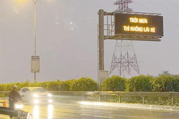 Should you stop driving when it rains?