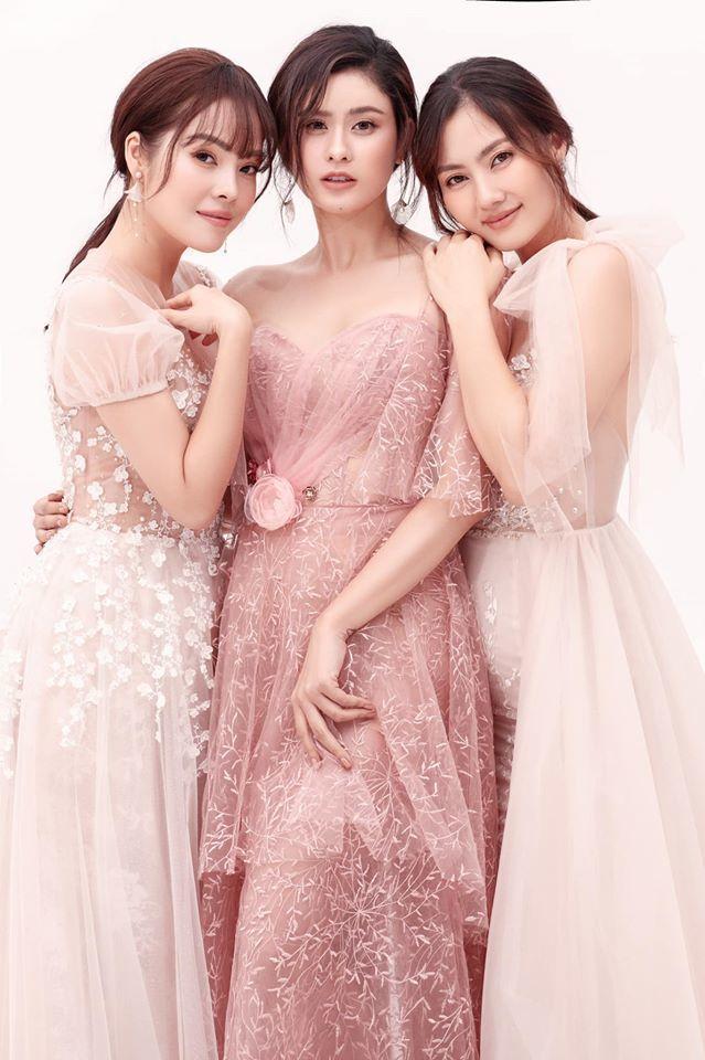 Hoàng Thùy diện hàng hiệu ở Miss Universe, H'Hen Niê bị chê mặc xấu