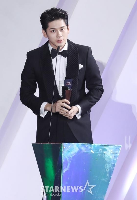 Jang Dong Gun, TWICE giật giải cao nhất tại AAA 2019