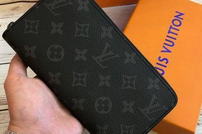 Nhân viên đóng gói ở sân bay Nội Bài trộm túi Louis Vuitton