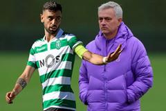 Mourinho phá đám MU, Liverpool ký Rakitic