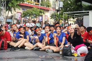 Những fangirl xinh đẹp cổ vũ Tuyển Việt Nam tại SEA Games 2019