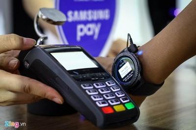Cho phép phong tỏa tài khoản nếu khách chuyển tiền nhầm