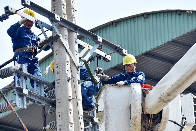 Electricity shortage in Vietnam anticipated, price increase considered
