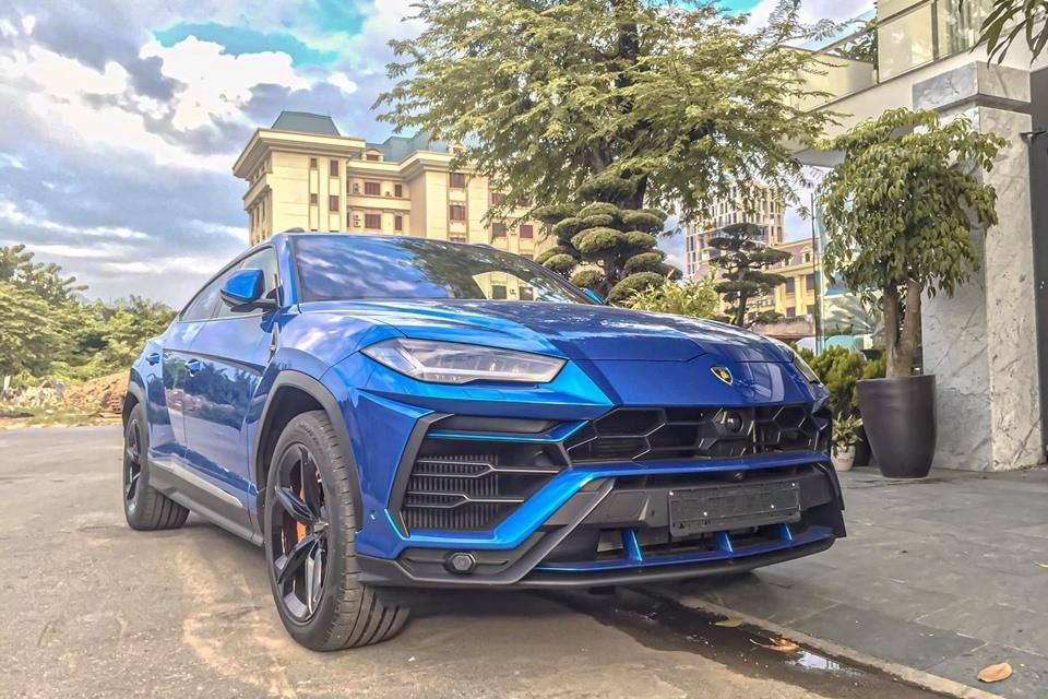 Giá 23 tỷ, nhà giàu Việt 'rước' 7 siêu SUV Lamborghini Urus