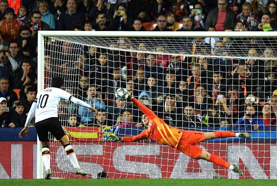 Chelsea đánh rơi chiến thắng trước Valencia - Ảnh 2.
