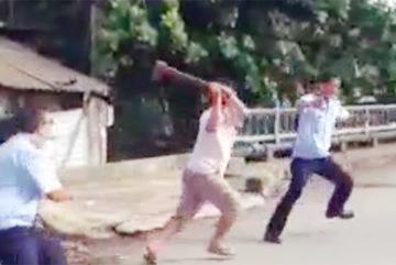 Thanh tra giao thông bị chém lìa ngón tay khi đi dẹp vỉa hè