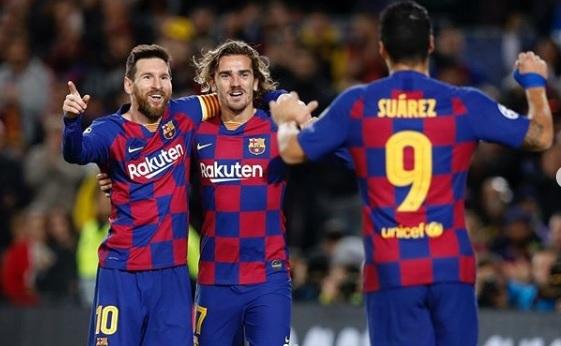 Messi chính thức công bố, giảm 70% lương 'cứu' Barca