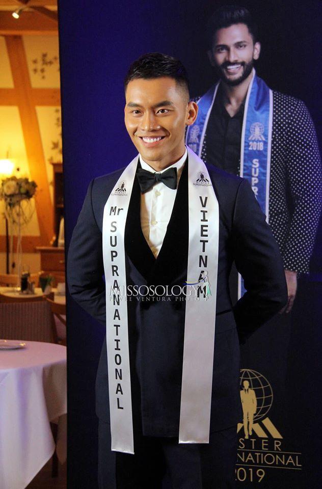 Sơn Ngọc Minh bị chỉ trích vì kêu gọi 10 triệu like để tự tử