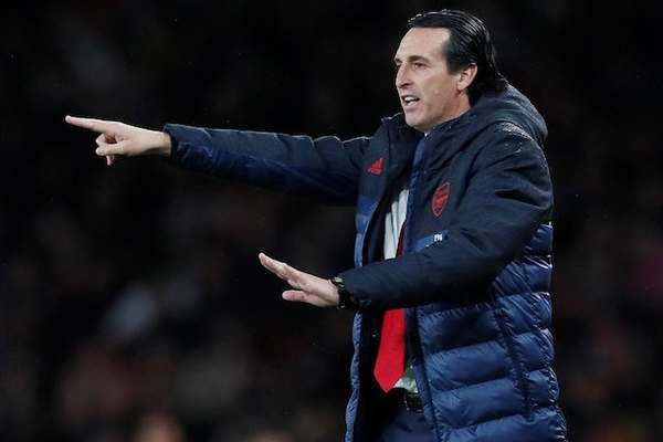 Arsenal có thể sa thải Unai Emery trong tuần này