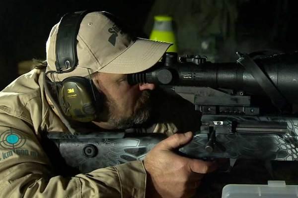 Xem lính bắn tỉa Nga hạ mọi mục tiêu trong đêm 'đen như mực'
