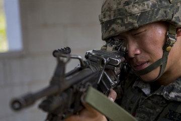 Lính Hàn Quốc bắn cảnh cáo tàu Triều Tiên