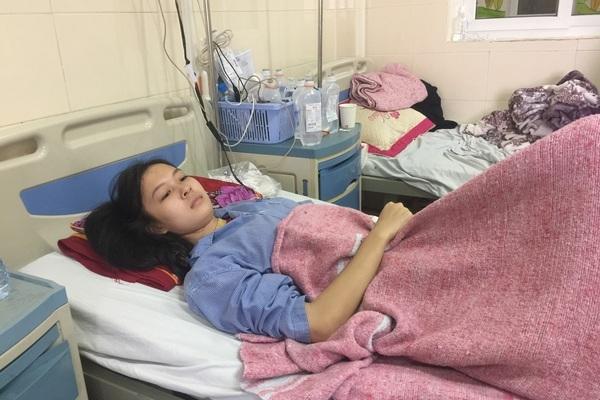 Mẹ ung thư trực tràng giai đoạn cuối chăm con ung thư xương