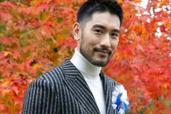Lộ clip diễn viên Cao Dĩ Tường trước khi đột tử: Người mệt lả bước đi không vững phải vịn cầu thang