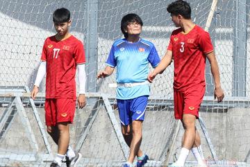 U22 Việt Nam thêm 'tin dữ', Trọng Hùng nguy cơ nghỉ hết vòng bảng