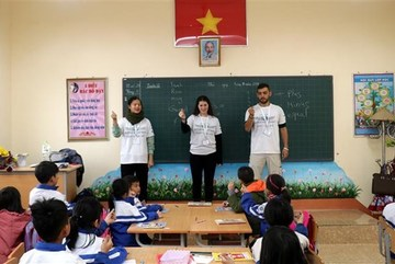 Israeli volunteers join teaching activity in Lao Cai
