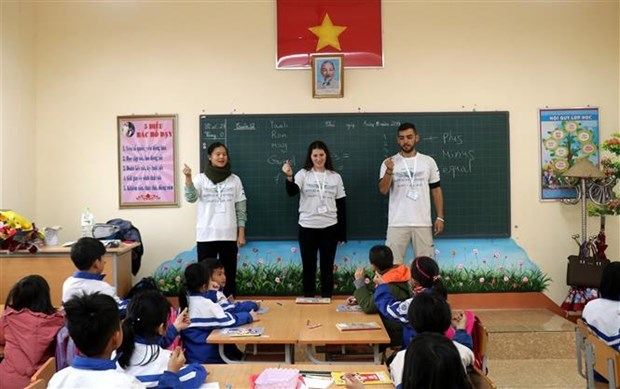 Lao Cai,northern mountainous province,Israeli volunteers,elementary and secondary students,Israeli Embassy in Vietnam