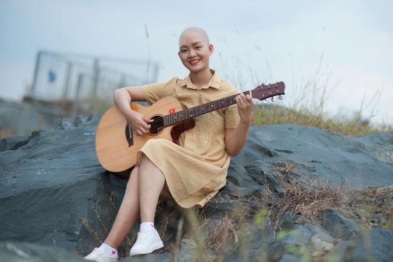 Nụ cười rạng rỡ của nữ sinh 3 lần chiến đấu ung thư