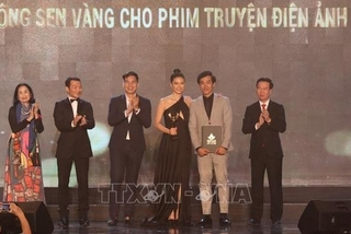 """Film on traditional theatre genre of 'cai luong' wins """"VN Oscar"""""""